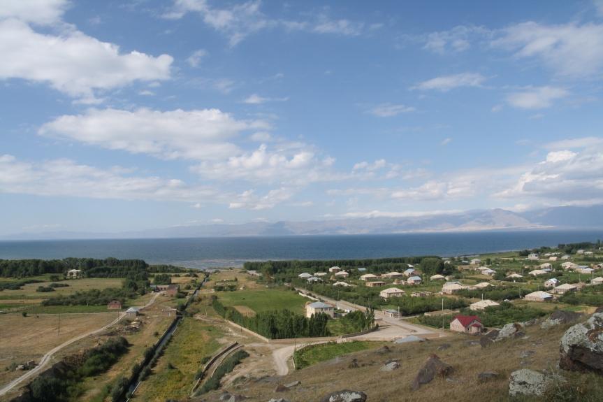Nad jeziorem Sevan