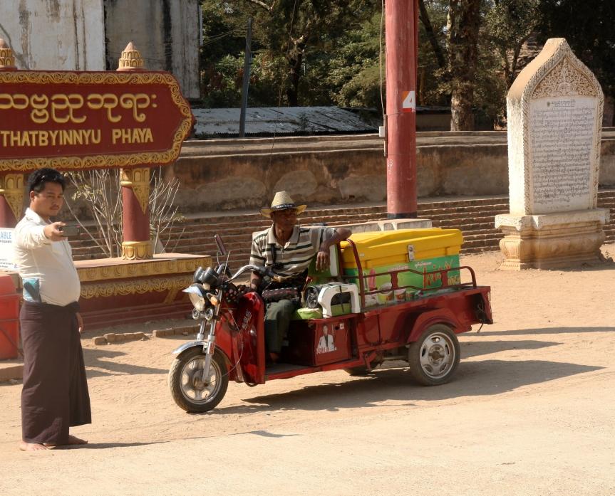 mężczyźni w Birmie